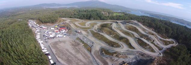 Oversiktsbilde av Bømlo motorsport stadion